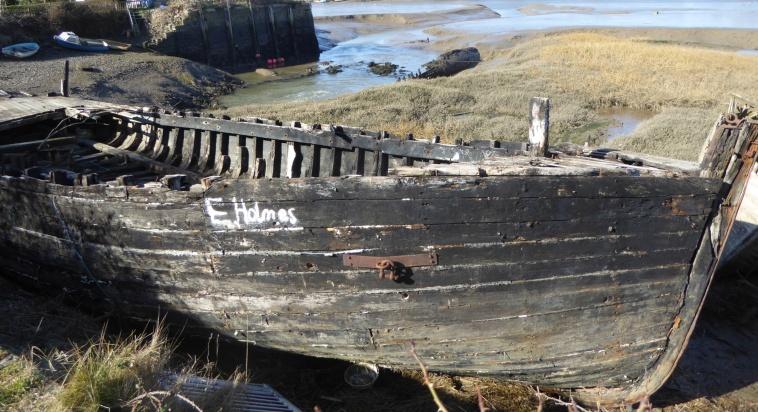 b_014_143_River_Torridge_Boat_Carcass
