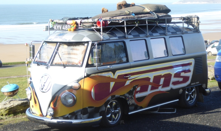 b_015_182_Putsborough_Sands_VW_Surfers_Van