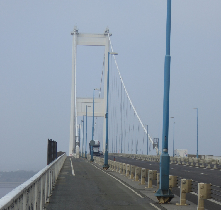 b_024_012_Severn_Bridge_M48