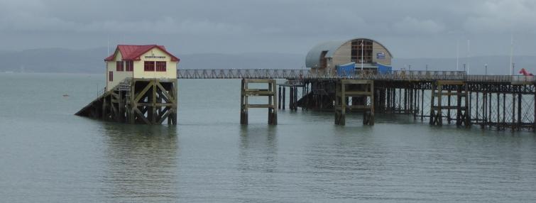 b_031_116_Mumbles_PierAndLifeboatStation