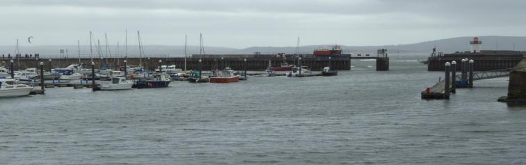 b_035_128_BurryPort_Harbour