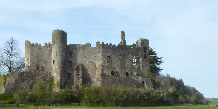 b_038_076_Laugharne_Castle