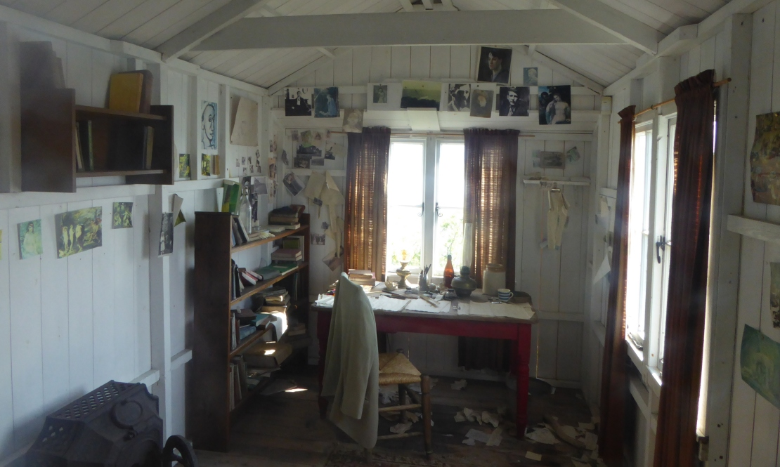 b_039_180_Laugharne_Writing_Shed