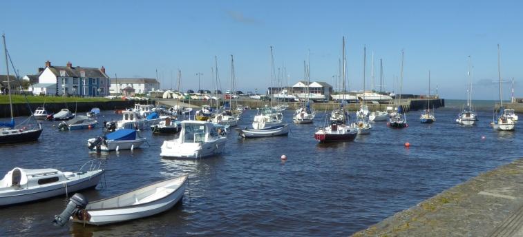 b_055_028_Aberaeron_Harbour