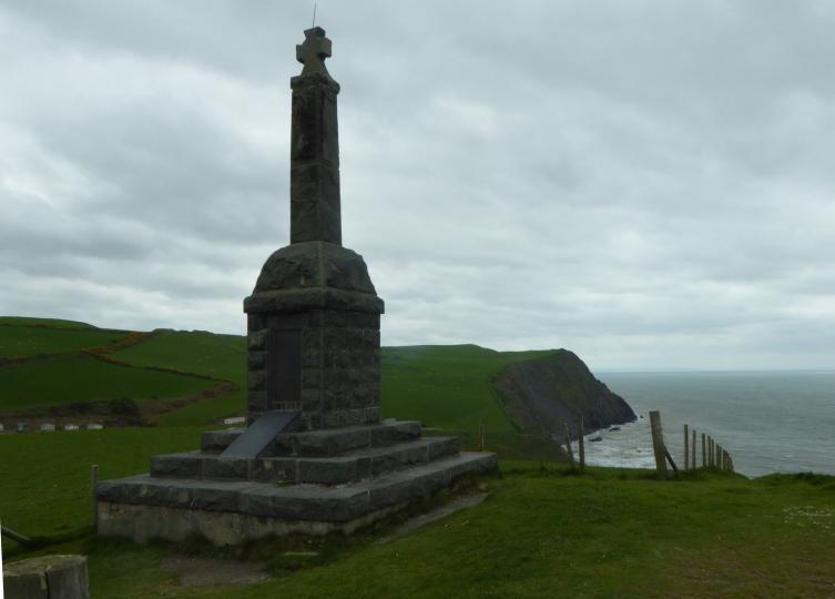 b_056_055_Borth_War_Memorial