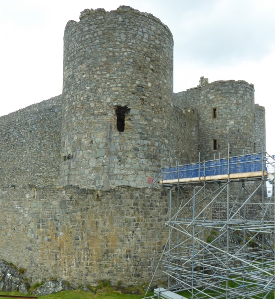 b_060_147_Harlech_Castle