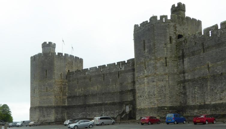 b_067_280_Caernarfon_Castle