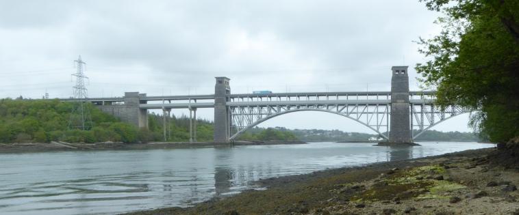 b_068_299_Bangor_Britannia_Bridge