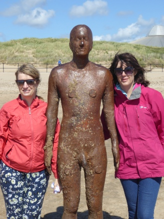 b_075_056_Crosby_Beach_Andrea_Julie_Statue