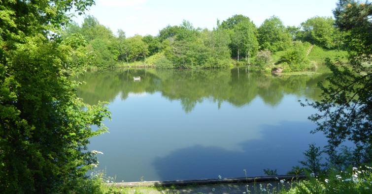 b_078_081_Walmer_Bridge__Lake