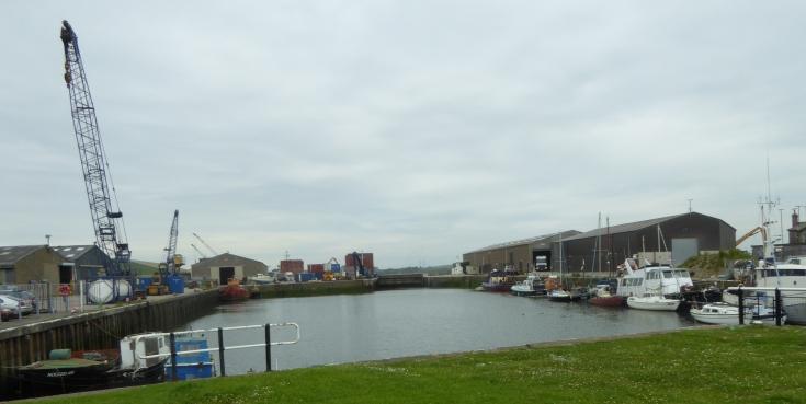 b_081_014_Glasson_Dock