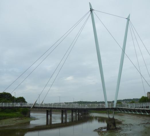 b_081_020_Lancaster_Millenium_Bridge