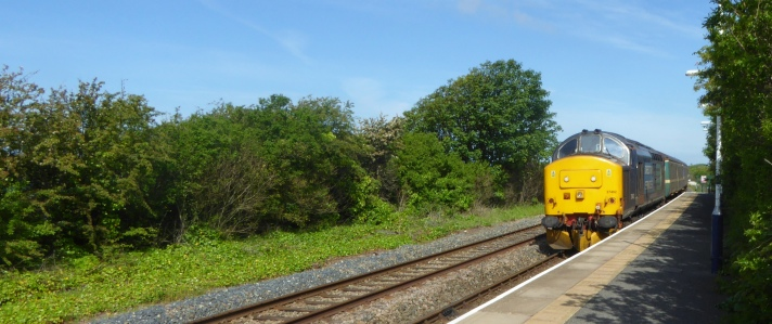 b_088_153_Ravenglass_Train