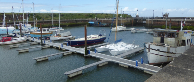 b_091_060_Maryport_Marina
