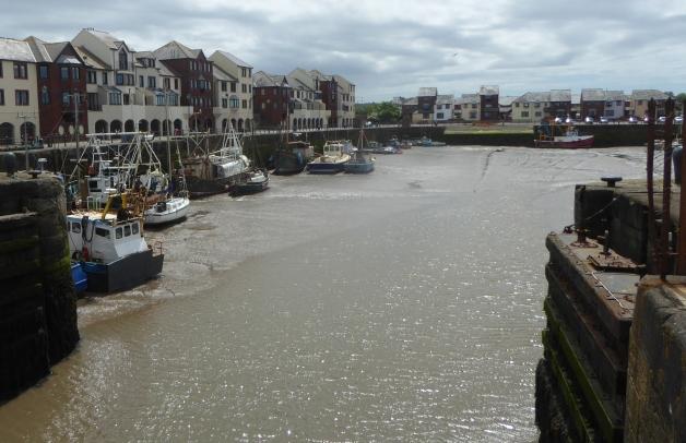 b_091_065_Maryport_Docks