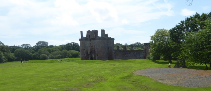 b_096_034_Caerlaverock_Castle