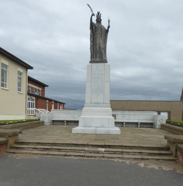 b_115_254_Troon_WarMemorial