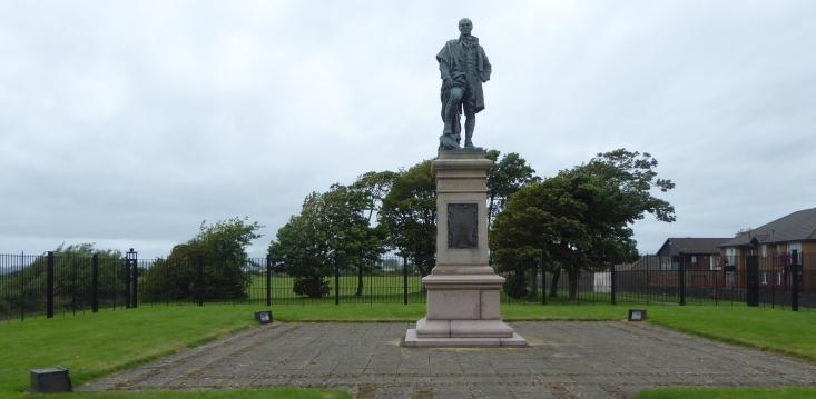 b_116_270_Irvine_BurnsClub_Statue