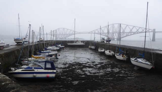 b_250_004_SouthQueensferry_Harbour
