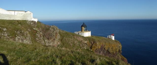 b_255_117_StAbbsHead_Lighthouse