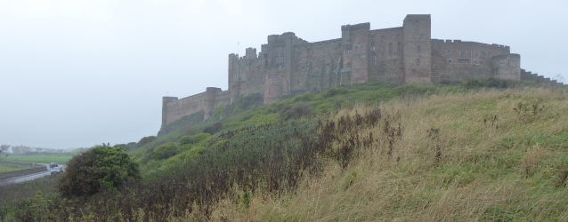 b_257_155_Bamburgh_Castle